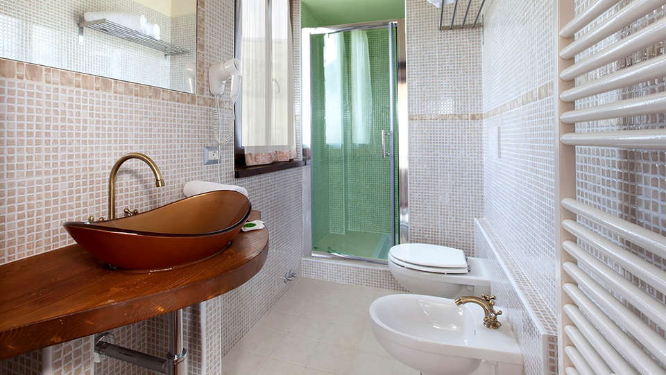 Umbria Resort & SPA - Edit_Bathroom.jpg