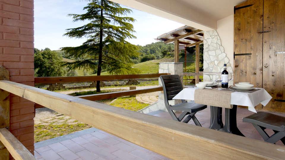 Umbria Resort & SPA - Edit_Terrace.jpg