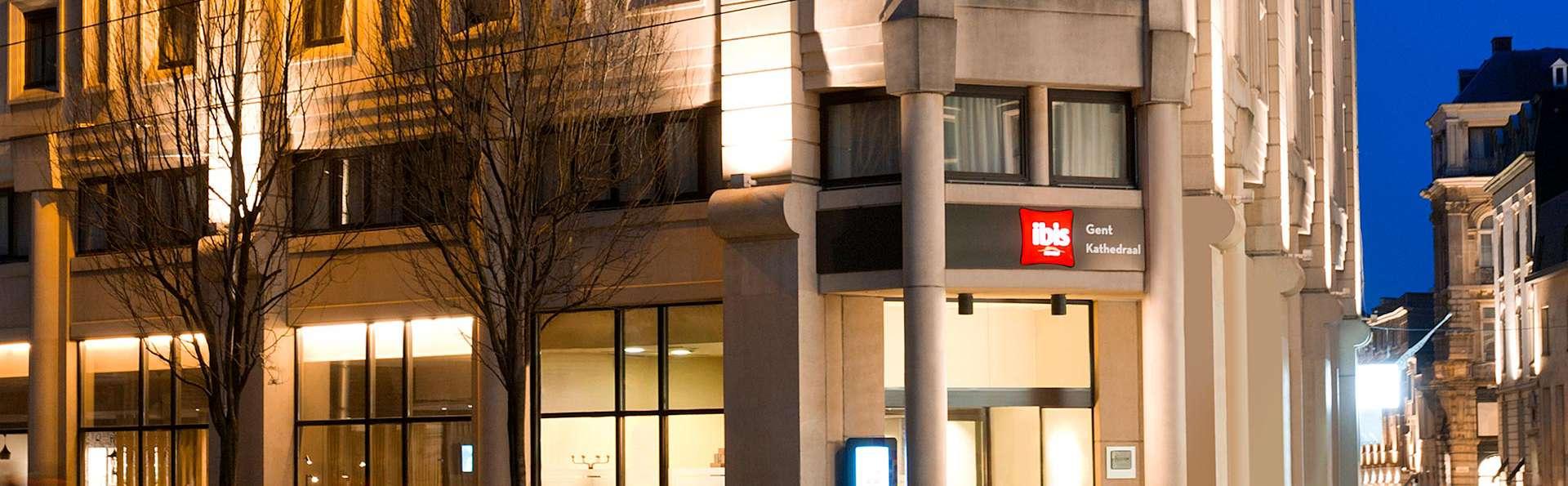 ibis Gent Centrum Sint Baafs Kathedraal - edit_front.jpg