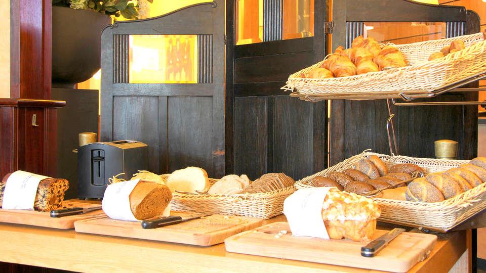 Bastion Hotel Apeldoorn - Het Loo - Edit_Breakfast4.jpg