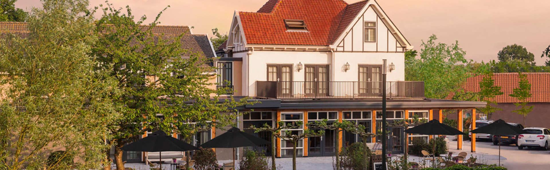 Badhotel Renesse - EDIT_front1.jpg