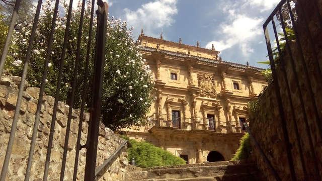 Escapada romántica en un antiguo palacio del s.XVIII en el valle de Carriedo