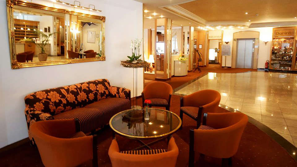 Dorint Seehotel & Resort Bitburg Südeifel - edit_lobby.jpg