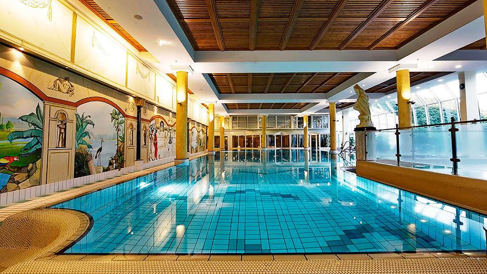 Dorint Seehotel & Resort Bitburg Südeifel - edit_Schwimmbad1.jpg