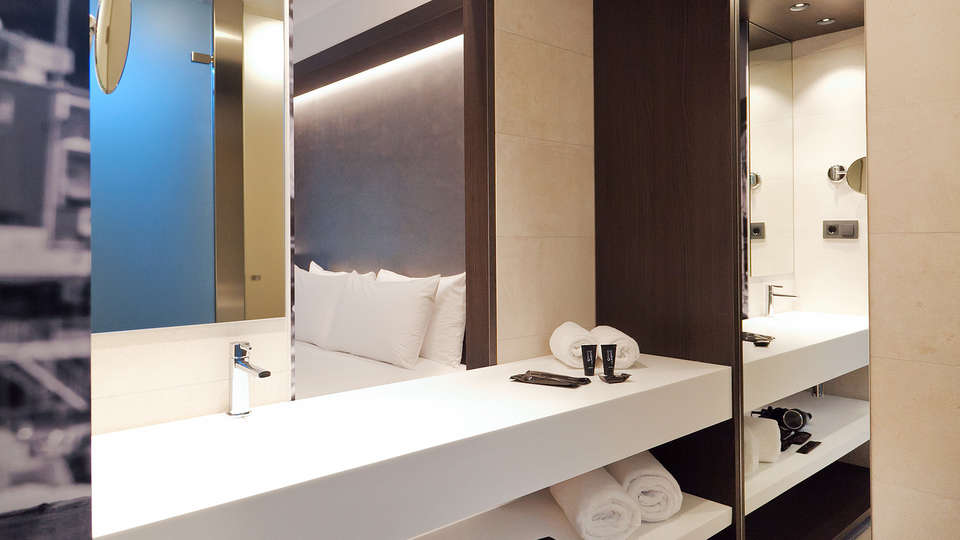 Vila Arenys Hotel - Edit_Bathroom3.jpg