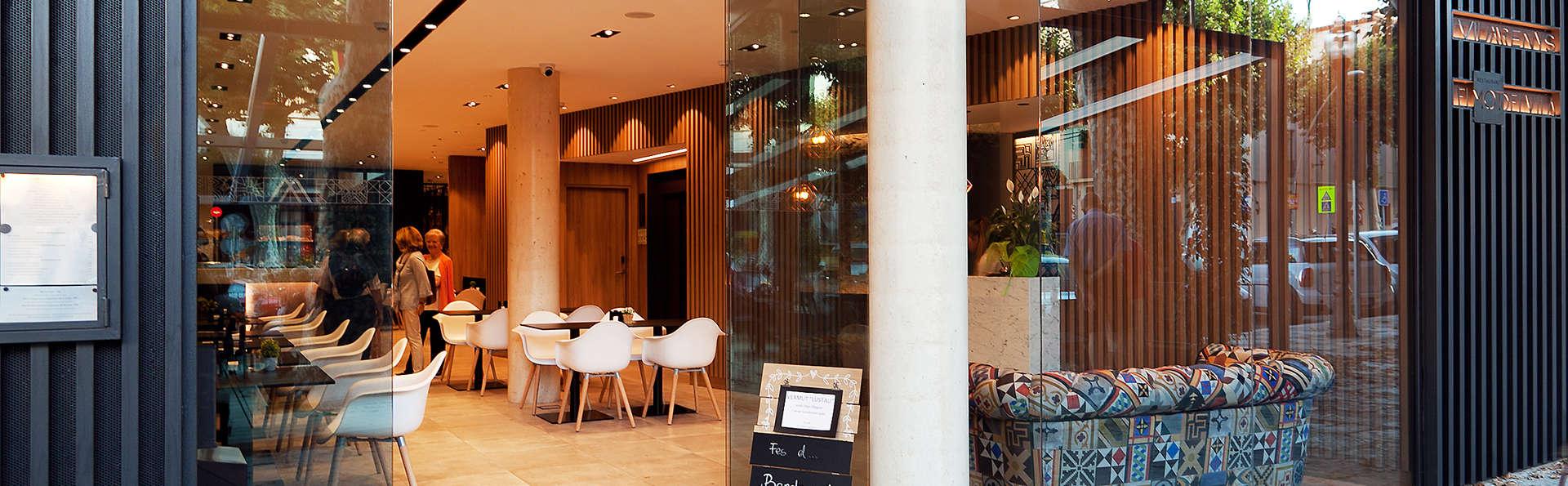 Vila Arenys Hotel - Edit_Front2.jpg