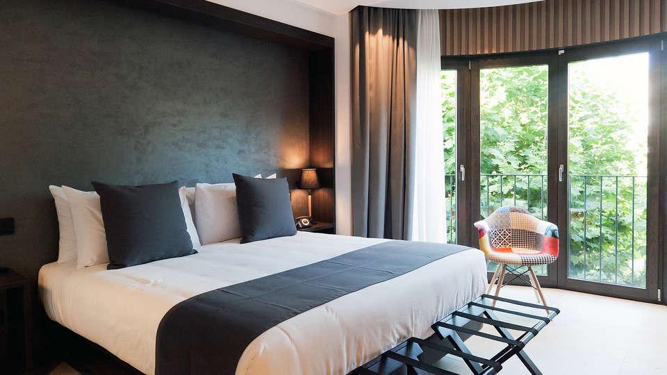 Vila Arenys Hotel - Edit_Room14.jpg