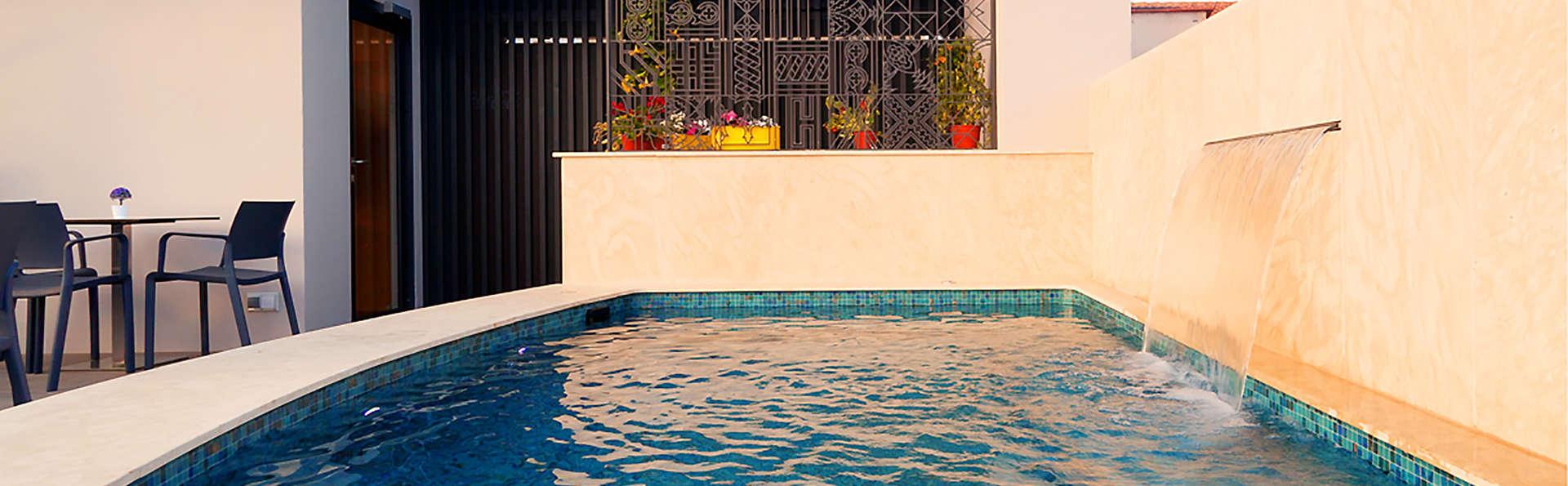 Vila Arenys Hotel - Edit_Terrace3.jpg