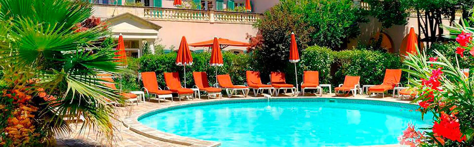 Best Western L'Orangerie  - EDIT_pool.jpg