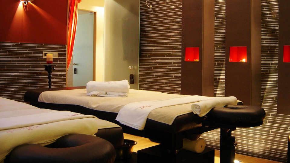 Hotel Augusta Spa Resort 4* Superior - EDIT_massageroom.jpg