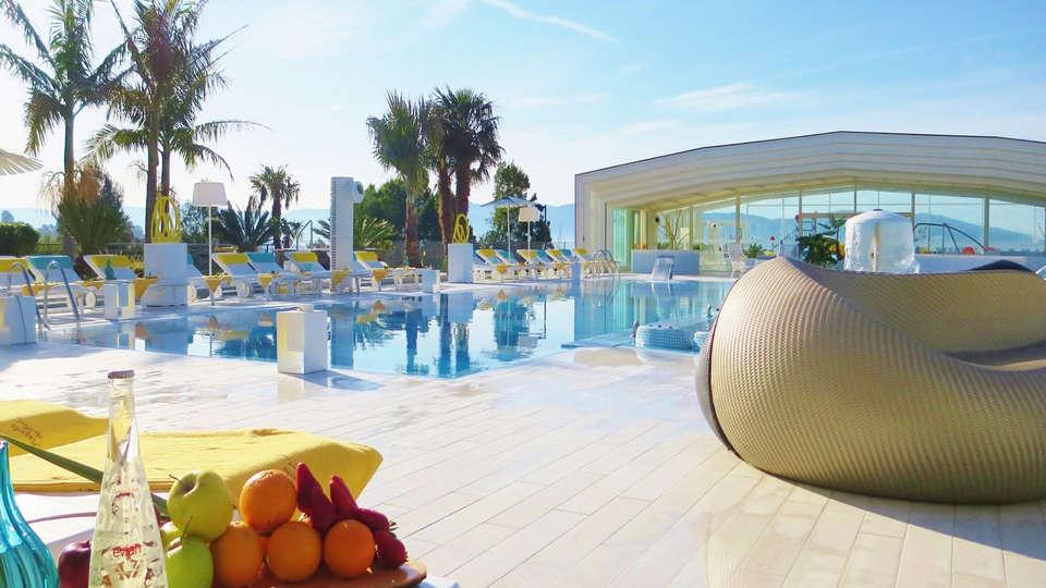 Hotel Augusta Spa Resort 4* Superior - EDIT_pool2.jpg