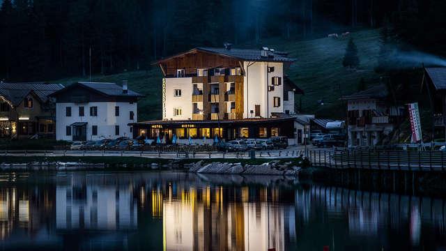 Au cœur des Dolomites au bord du lac de Misurina
