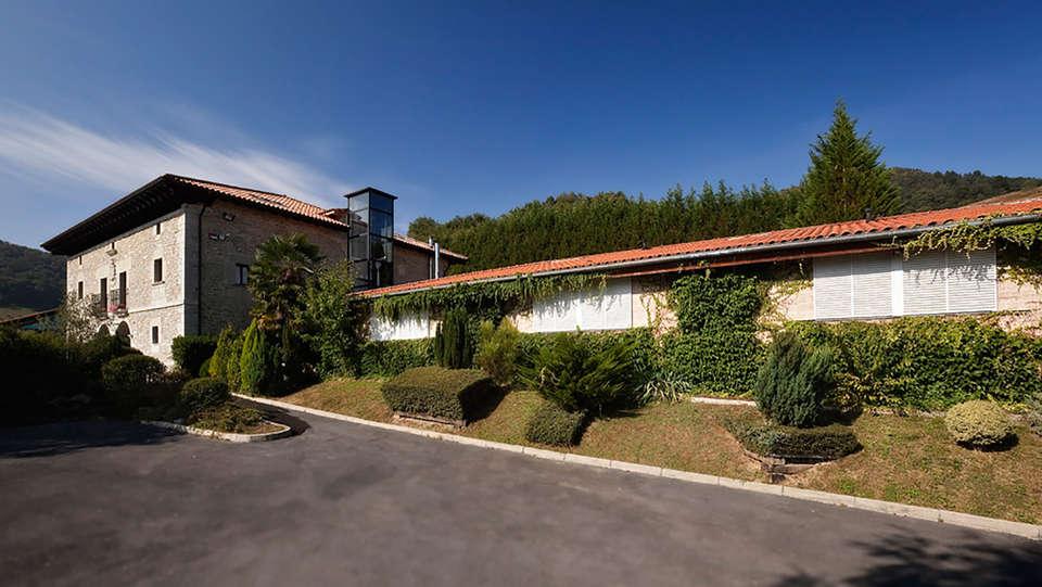 Hotel Arcos de Quejana - EDIT_front.jpg