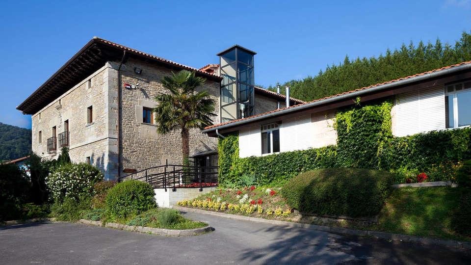 Hotel Arcos de Quejana - EDIT_front1.jpg