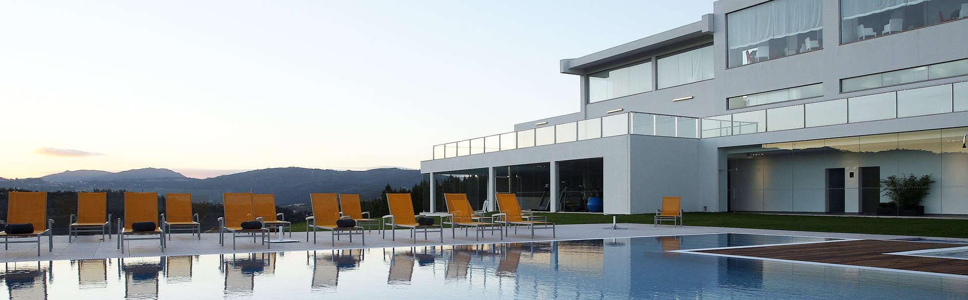 Agua Hotels Mondim de Basto - EDIT_pool1.jpg