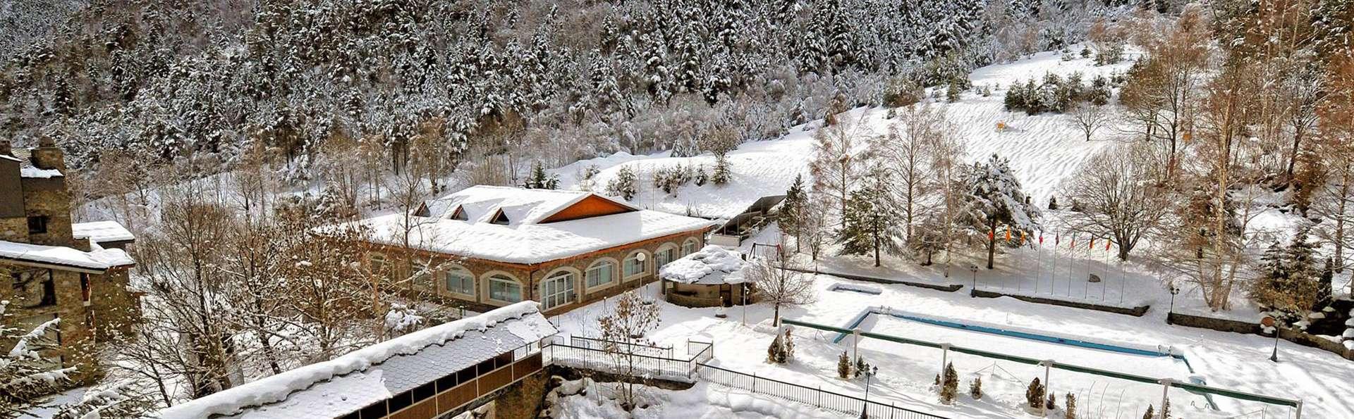 Hotel Sant Gothard - edit_front_winter5.jpg