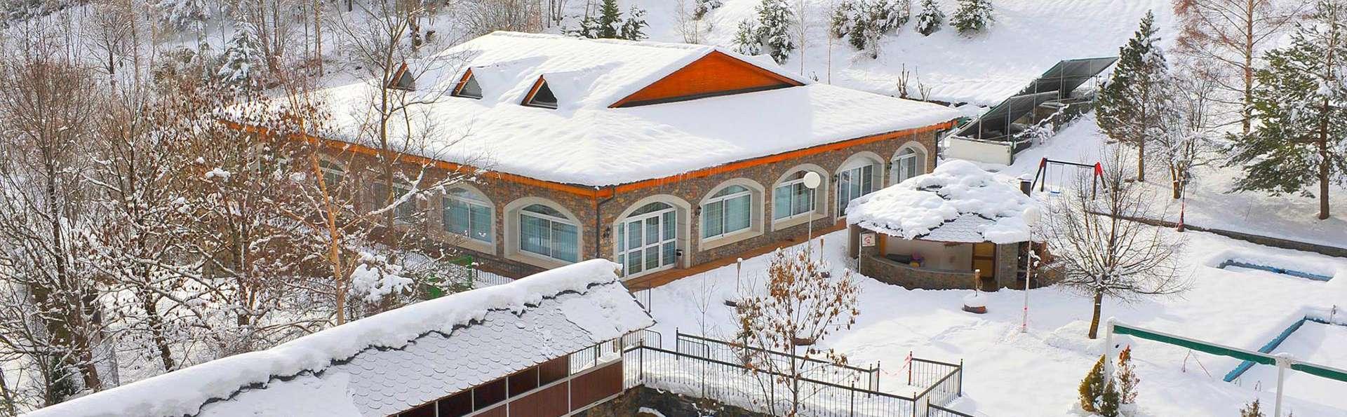 Hotel Sant Gothard - edit_front_winter1.jpg