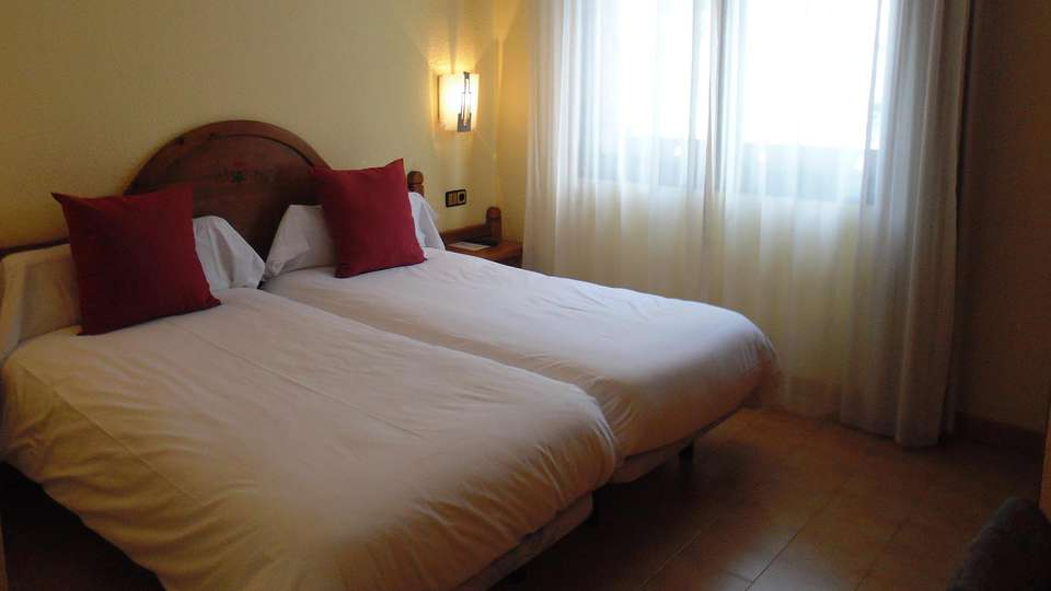 Hotel Sant Gothard - edit_room3.jpg