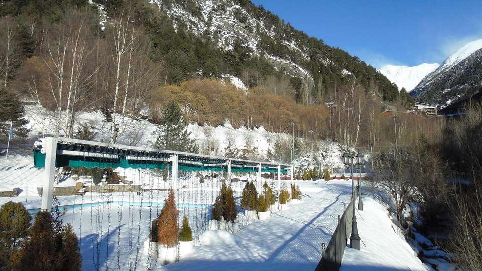 Hotel Sant Gothard - edit_winter1.jpg