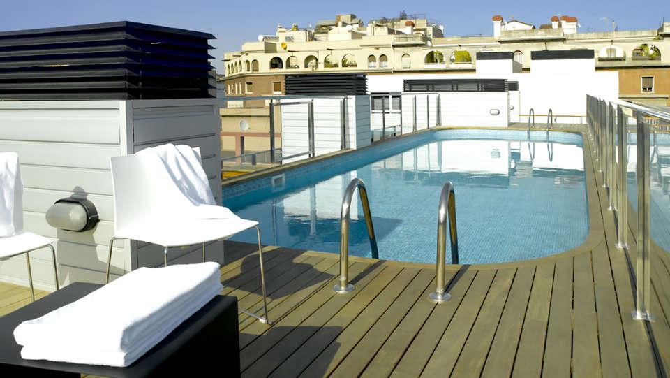 Aparthotel BCN Montjuic - Edit_Pool.jpg