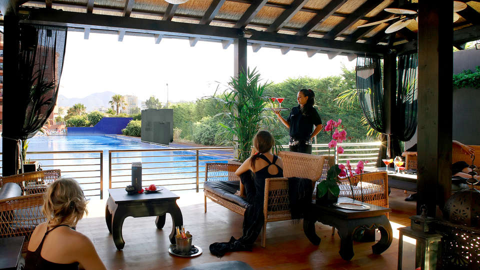 Aparthotel Myramar Fuengirola - Edit_Bar.jpg