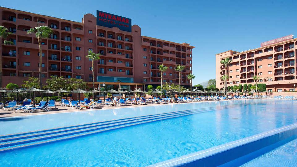 Aparthotel Myramar Fuengirola - Edit_Pool.jpg