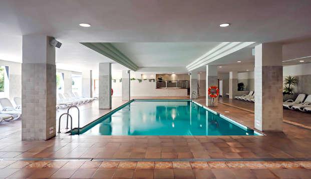Escapada en apartamento con acceso a la piscina climatizada y sauna en Fuengirola