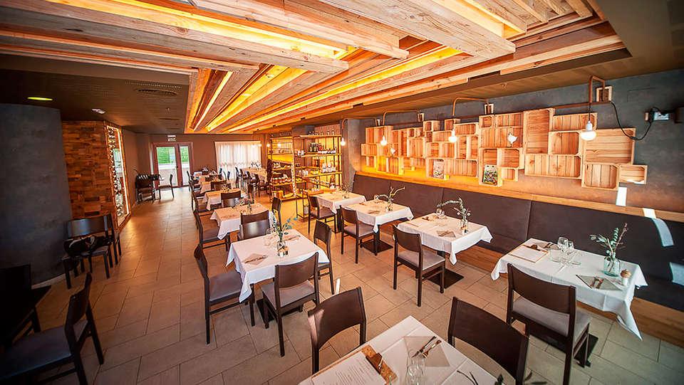 Apartahotel - Spa Jacetania - EDIT_restaurant.jpg