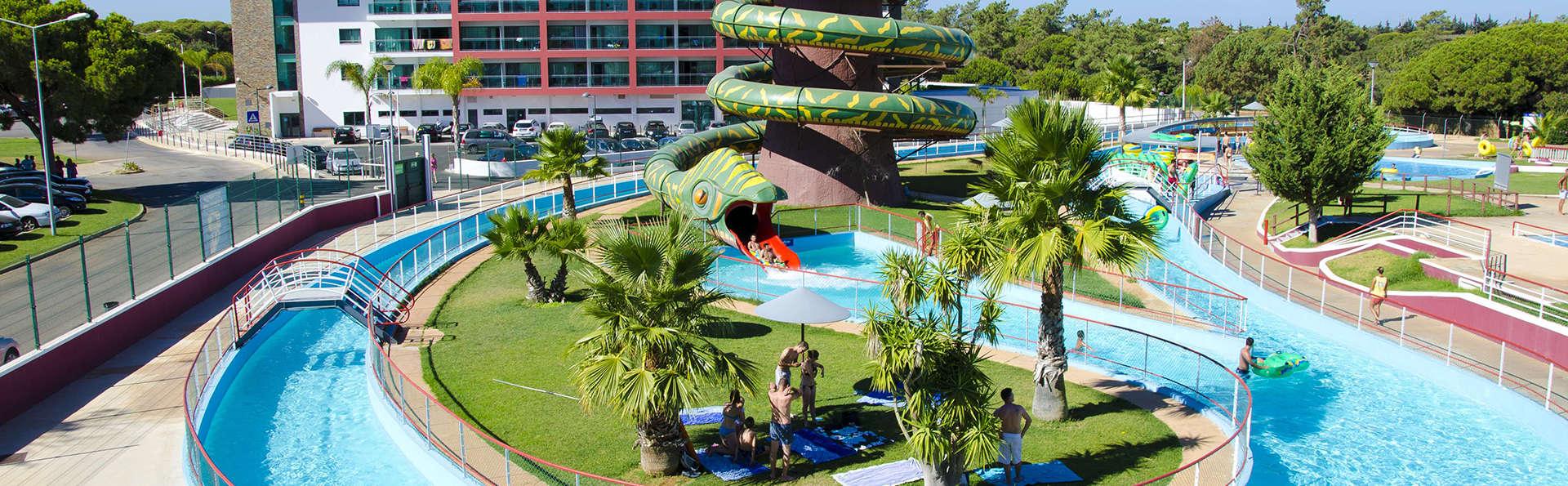 Aquashow Park Hotel - Edit_Park5.jpg