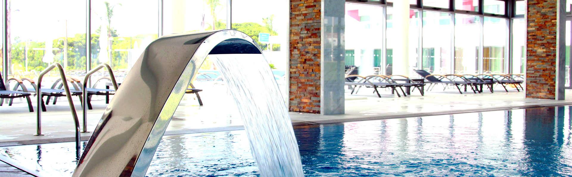 Escapada Romántica con acceso al Spa y al Parque Acuático en Quarteira