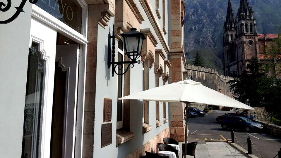 Arcea Gran Hotel Pelayo - Edit_Terrace.jpg