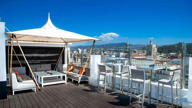 Spécial terrasse: cocktail en terrasse avec vues spectaculaires sur Malaga