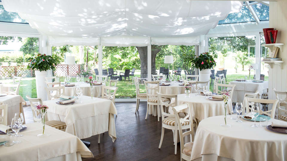 Relais Villa Abbondanzi - EDIT_NEW_terracerestaurant.jpg