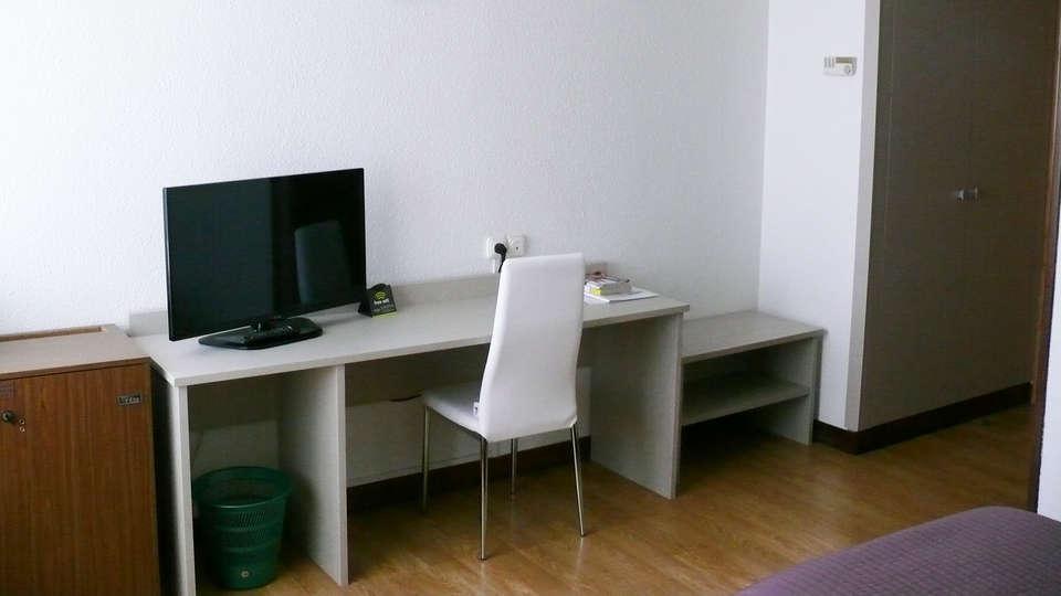 Sercotel Los Ángeles - EDIT_room1.jpg