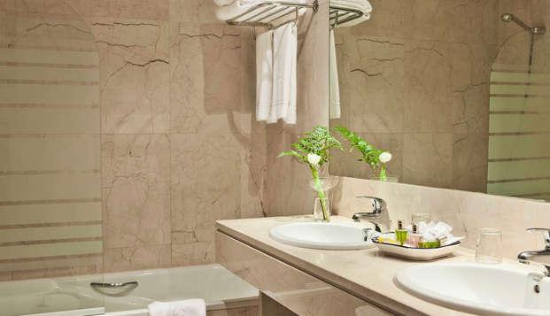 Hotel Principe Pio - Bathroom