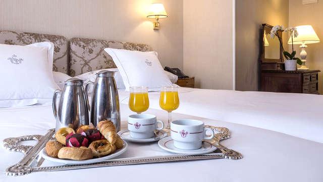 Escapa con cena en restaurante a elegir en hotel junto al Palacio Real
