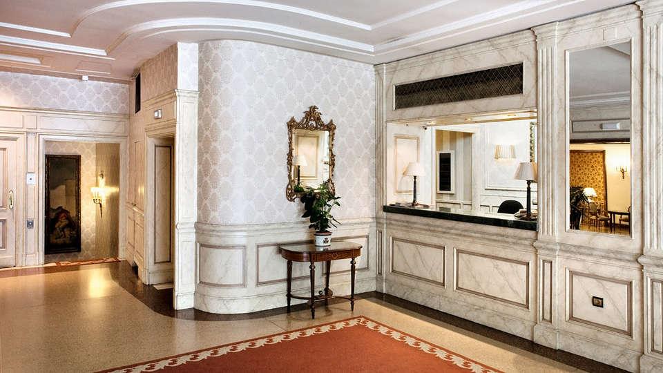 Hotel Principe Pío - Edit_Reception2.jpg