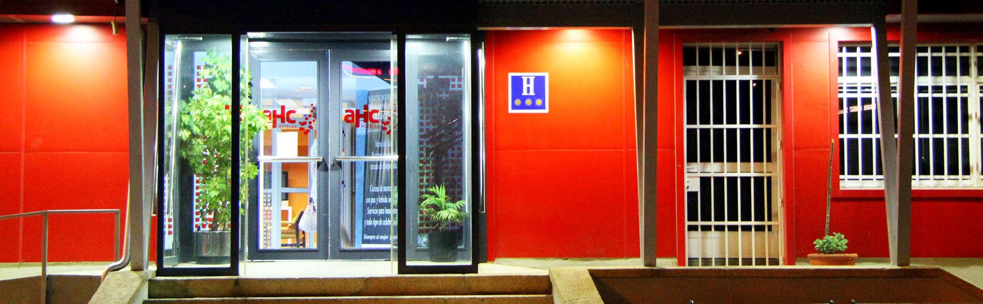 AHC Hoteles - EDIT_entry.jpg
