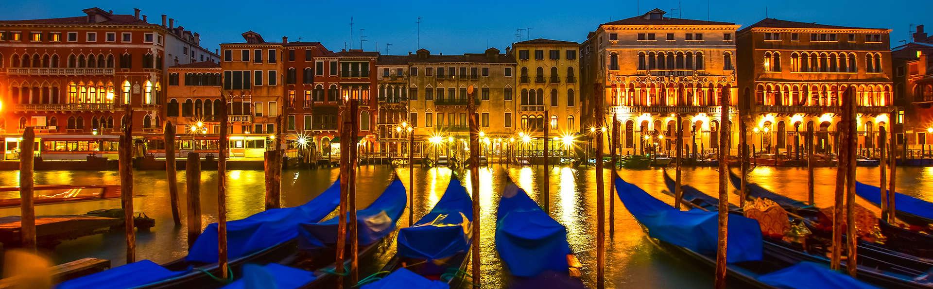 Gondeltocht in Lido di Venezia en geniet van een elegant en comfortabel hotel (vanaf 3 nachten)