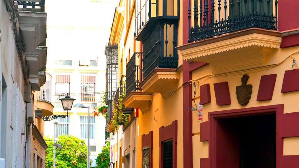 Hotel Ítaca Sevilla - Edit_Front.jpg
