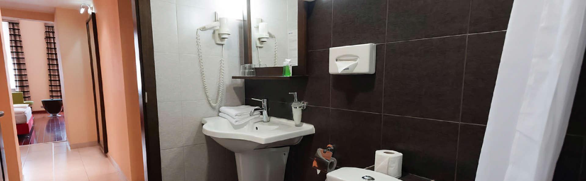 Soho Boutique Hotel - Edit_Bathroom2.jpg