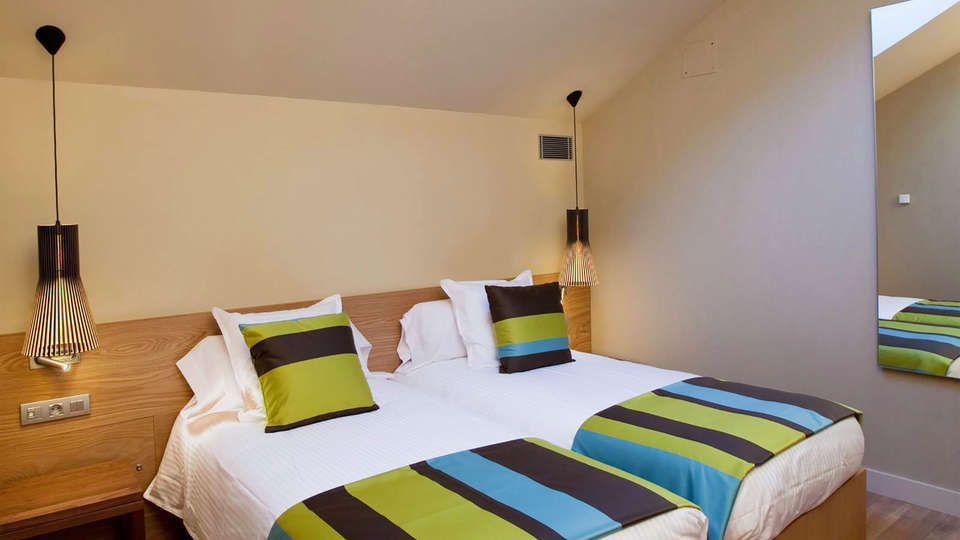 Hotel Vall de Núria - EDIT_room1.jpg