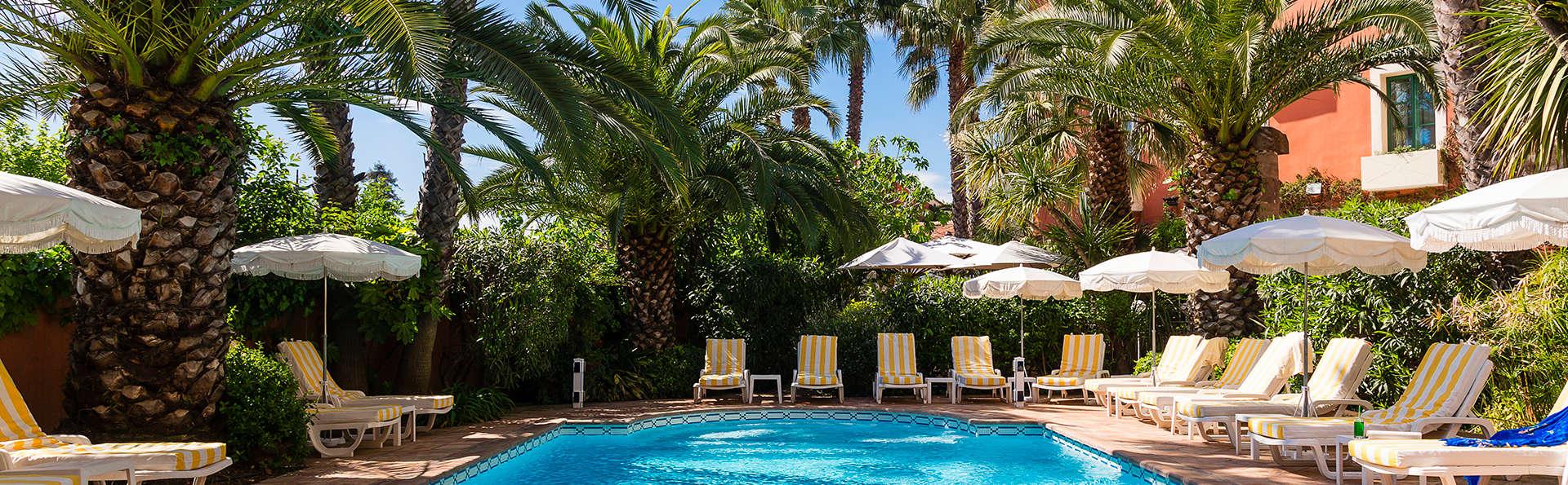 Hôtel l'Aréna - EDIT_pool2.jpg