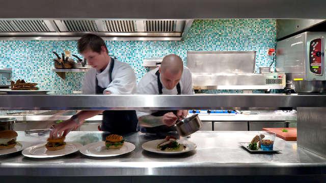 Best Western Plus Grand Winston - Kitchen