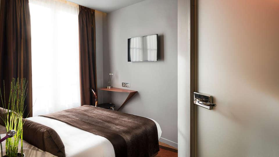 Le Bon Hôtel - EDIT_room.jpg