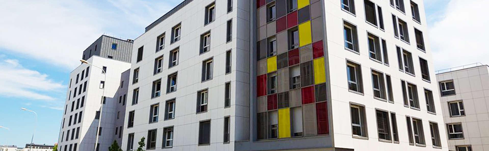 Hotel Q7 Lodge Lyon 7  - EDIT_front.jpg