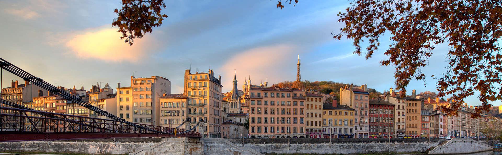 Ambiance zen et moderne sur les berges du Rhône à Lyon
