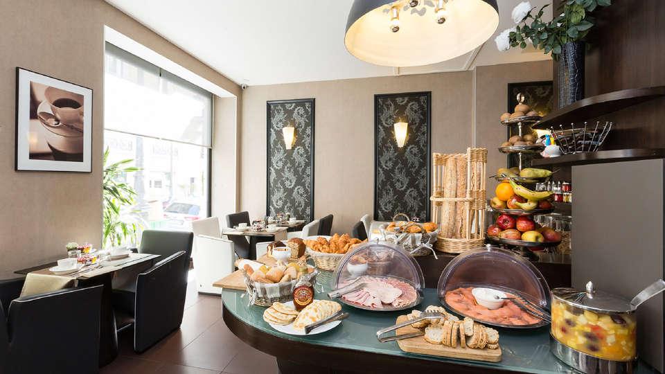 Hôtel Elysées Bassano - EDIT_buffet.jpg