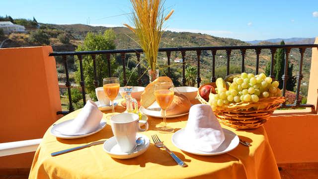 Déconnectez dans un hôtel rural très proche de la Viñuela avec petit-déjeuner et cava inclus