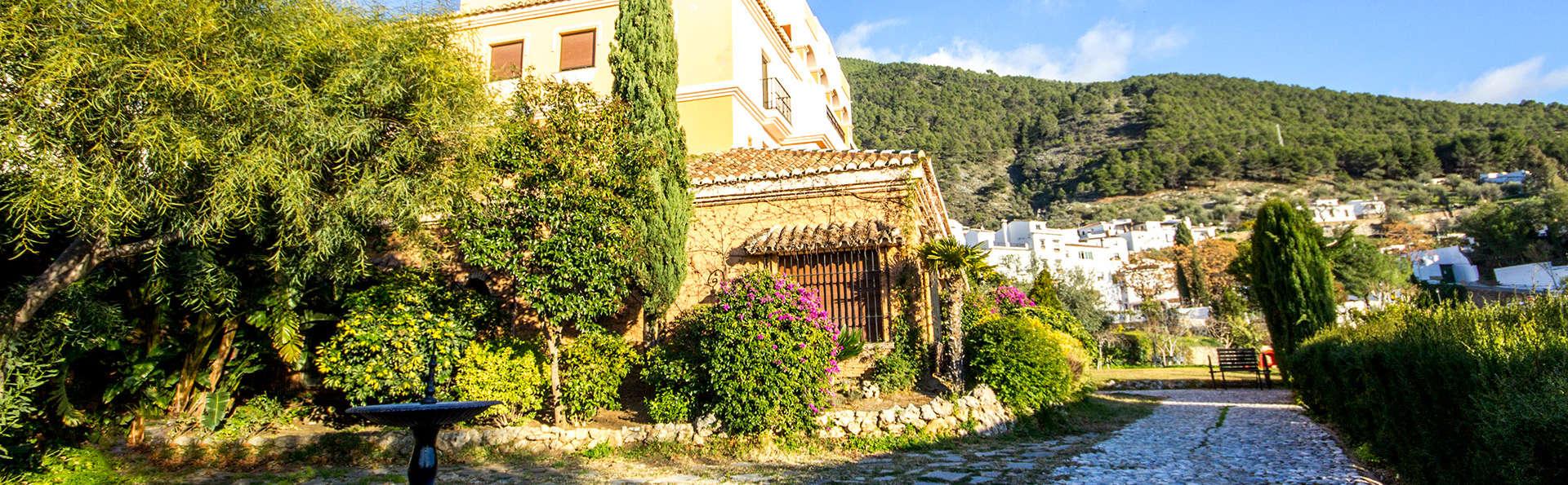 Hotel Rural Sierra Tejeda - EDIT_front3.jpg